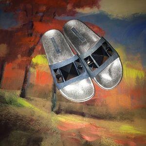 Shoe Republic LA | Pyramid Denim Slides ⭐️4/$50